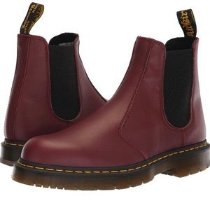 BURGUNDY DOC MARTEN IN NEAR PERFECT CONDITION!